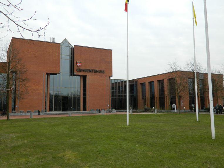AALTER: Het gemeentehuis, ook wel Cremlin genoemd.