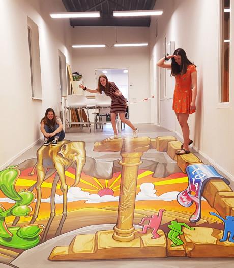 3D street-art in Udens College: kunst waar je juist op moet gaan staan