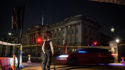 Man die agenten verwondde aan Buckingham Palace vrijgesproken van terrorisme