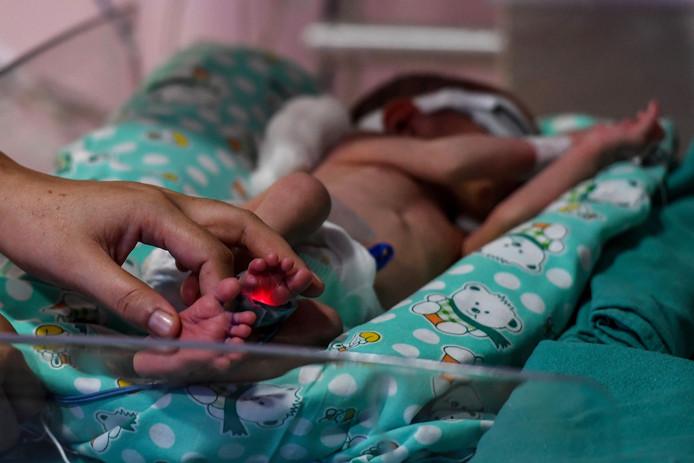 Een vroeggeboren baby in India. Foto ter illustratie.