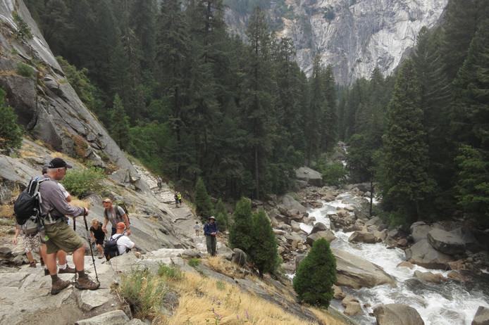 Yosemite National Park trekt jaarlijks duizenden bezoekers.