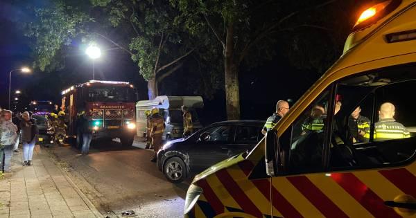 Vier auto's beschadigd bij aanrijding in Otterlo, bestuurder aangehouden.