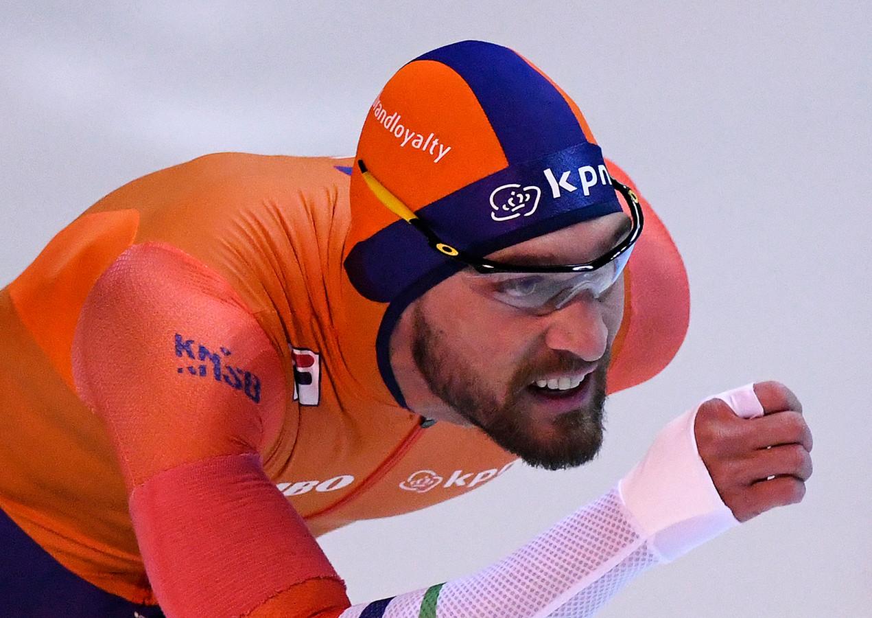 Kjeld Nuis tijdens de 1000 meter bij de wereldbeker in Erfurt