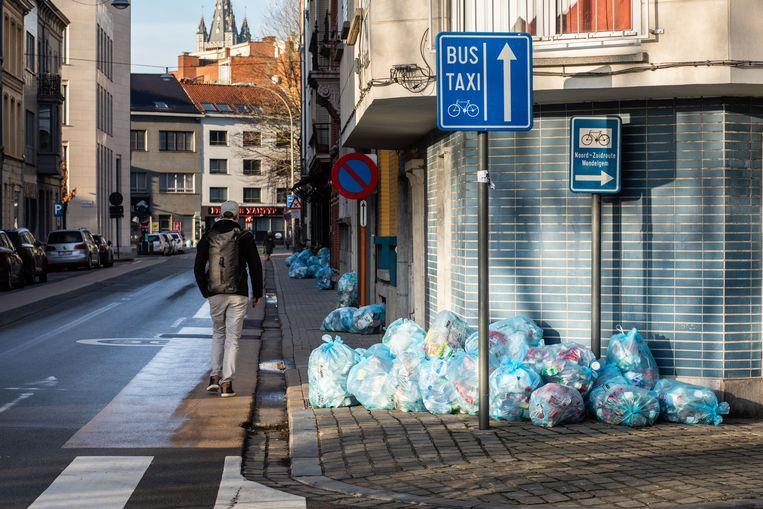 Veel meer blauwe zakken in Gent