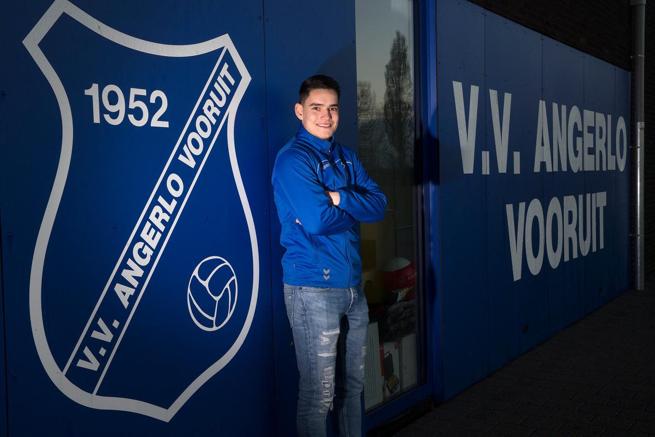 Charan Schel voetballer van Angerlo Vooruit: 'Dus het enige doel dat nu nog overblijft, is kampioen worden.'