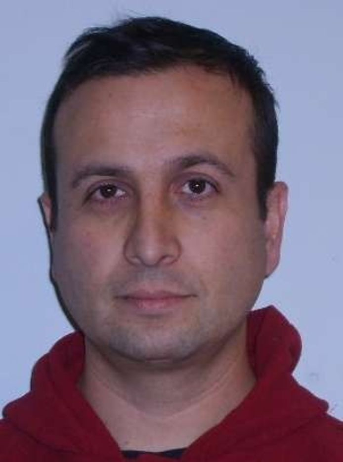 De politie heeft deze foto verspreid van de man die dood bij de Oesterdam werd gevonden.