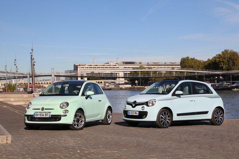 Een Fiat 500 en een Renault Twingo. Beeld