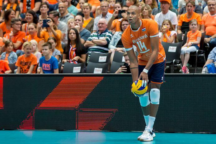 Nimir Abdelaziz tijdens een wedstrijd van het Nederlands team tegen Oekraïne.