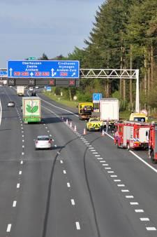 Auto honderden meters vooruit geduwd door vrachtwagen bij Wolfheze