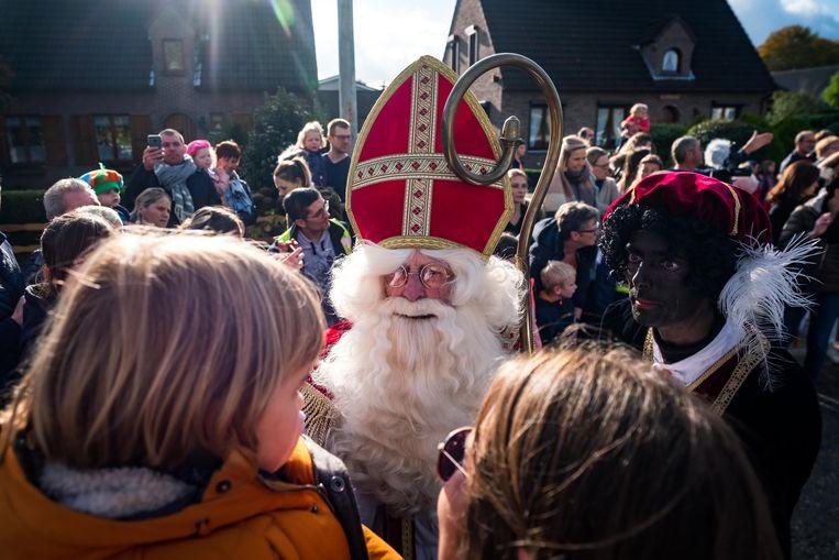 Aankomst Sinterklaas en zijn Zwarte Pieten.