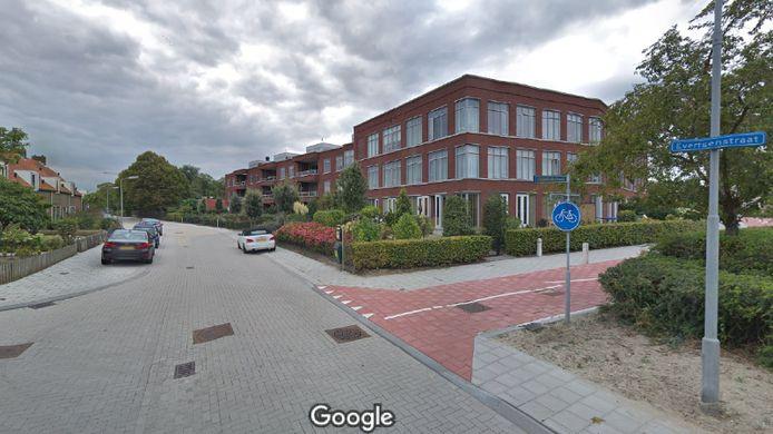 Het televisieprogramma Opsporing Verzocht laat dinsdagavond 7 april beelden zien van vier vrouwen die in een appartementencomplex aan de Evertsenstraat in Goes inbreken.