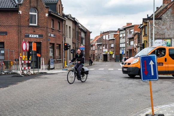 Na jarenlang overleg met het Agentschap Wegen en Verkeer (AWV) is de gemeente eigenaar geworden van de Antwerpsestraat en de Boomsestraat. Het plan is om beide straten in de loop van de volgende legislatuur heraan te leggen.