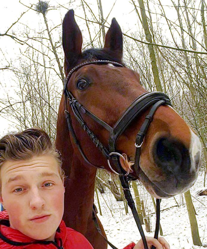 Frans Klos en zijn paard Belle Amie.