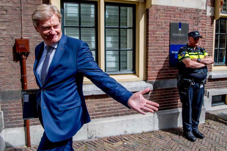 Demissionair staatssecretaris Martin van Rijn (Volksgezondheid, Welzijn en Sport) komt aan op het Binnenhof voor de wekelijkse ministerraad. Beeld anp