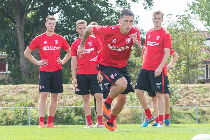 Aitor in betere tijden: volop sprintend in de training van FC Twente.