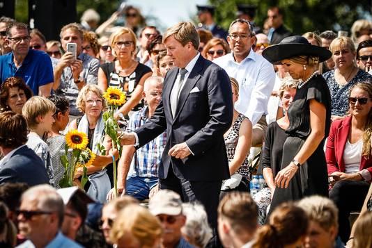 Het koningspaar volgde de ceremonie vanuit het publiek