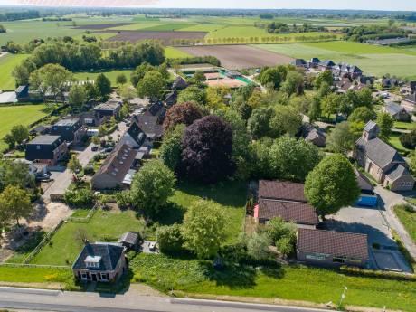 Verhuizing 27 leerlingen naar verouderd dorpshuis Welsum bijna anderhalve ton duurder