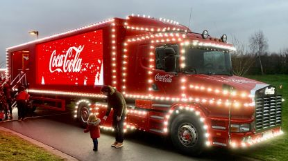 Massale belangstelling voor kersttruck Coca Cola in Jabbeke