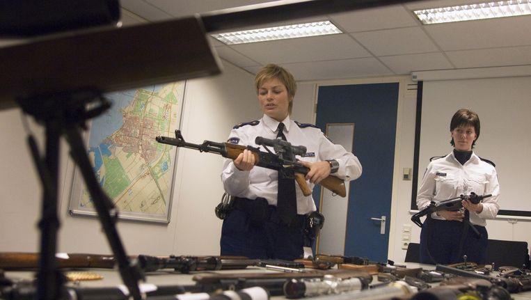 Politie nam vorig jaar dertien wapens in beslag (archiefbeeld) Beeld anp