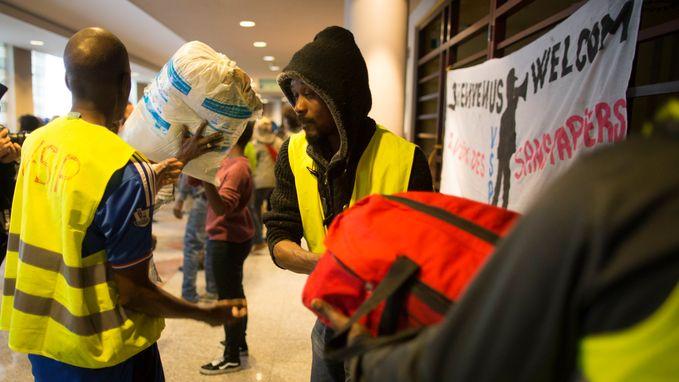 Niet genoeg agenten om hen uit te zetten: krakers blijven in Brussels Hotel Astrid ondanks ontruimingsbevel