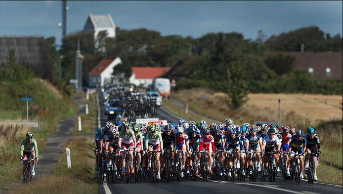 Het wielerpeloton tijdens de Ronde van Denemarken.
