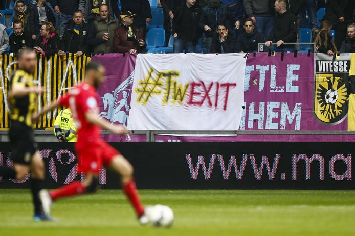 FC Twente wil na de degradatie gemaakte afspraken plots niet meer nakomen.