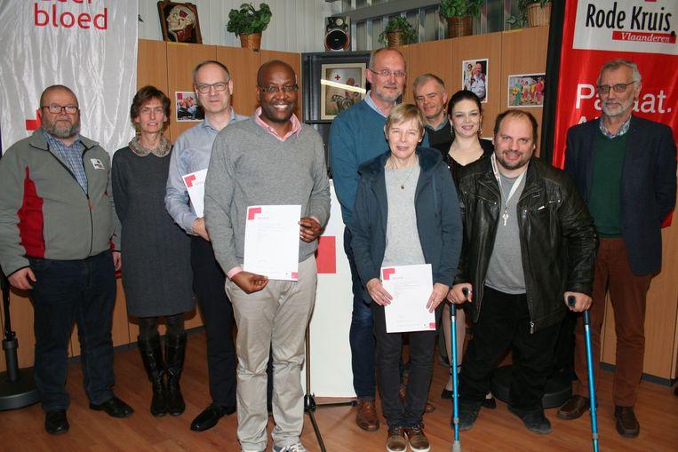 Een afvaardiging van GROS mocht de brevetten van de hartveilig-opleiding  in ontvangst nemen