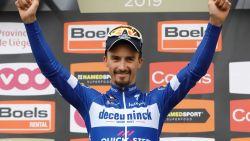 LIVE WAALSE PIJL. Peloton trekt zich op gang in Herve, Van der Breggen wint zesde keer op rij