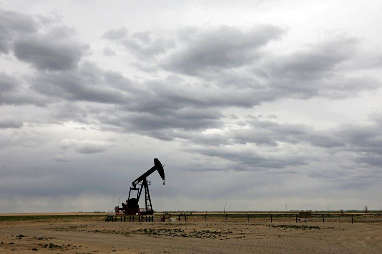 Olieproductie in Granum, Alberta. Critici maken zich zorgen over het handelsverdrag tussen Canada en de EU. Een speciale investeringsrechtbank zou bedrijven meer macht  geven. Beeld Reuters