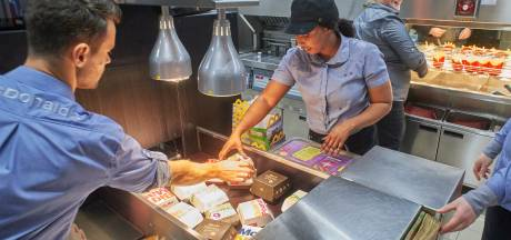 Kijkje in de keuken van McDonald's op Foodcourt Uden: 'Werk als Picasso'