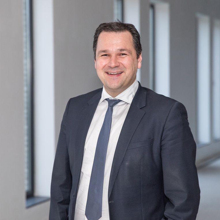 """Unizo Oost-Vlaanderen-directeur Jos Vermeiren: """"Terwijl heel wat Vlamingen wakker liggen van de geluidsoverlast op de wegen, ligt de Oost-Vlaamse ondernemer wakker van een gebrekkige mobiliteit."""""""