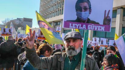 Duizend Koerden betogen uit solidariteit met hongerstakers