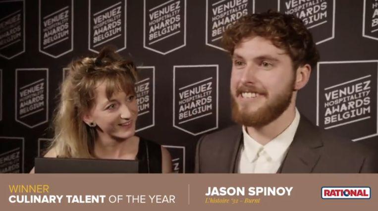 Laurence en Jason werden geïnterviewd nadat ze hun award hadden gekregen.