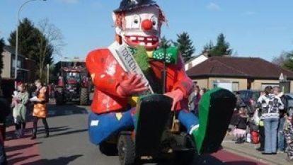 """Carnavalsvereniging Toeten of Blazen neemt afscheid van de Clownmobiel: """"Maar we garanderen dat onze nieuwe een pareltje is"""""""