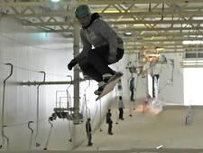 Snowboarders leven zich uit in Terneuzen
