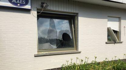 Zwaar vandalisme in leegstaand restaurant Tierlantijn: ramen uitgegooid en deuren vernield