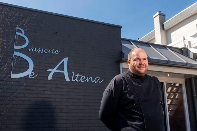 """Ricardo de Beer, bedrijfsleider en chef-kok van Brasserie De Altena in Oosterhout. ,,De komende twee weken zijn heel erg spannend."""""""