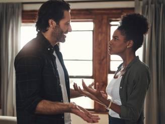 Hoe jaloers ben jij in een relatie? Meer dan 1 op de 4 controleert stiekem berichten van de partner