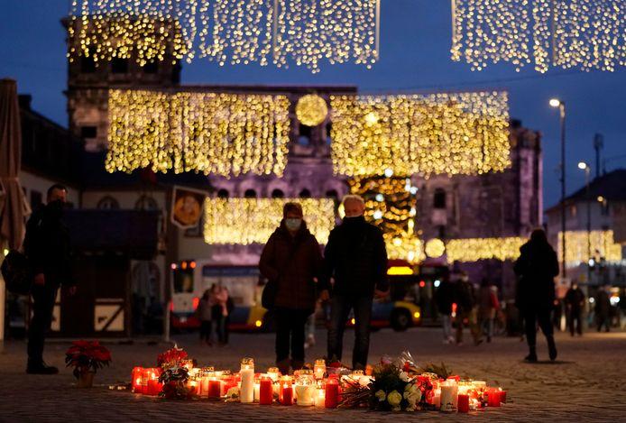 In de binnenstad van Trier worden de slachtoffers van de moordende rit van Bernd W. herdacht.