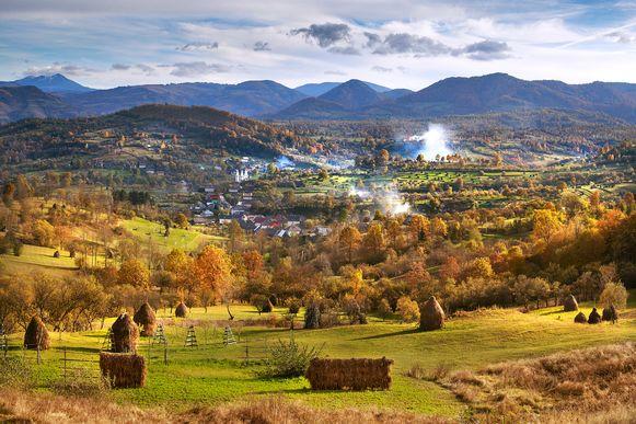 Voorbeeldfoto van het landschap in Maramures, een district in het noorden van Roemenië. De jongeren verbleven er in een boerderij.