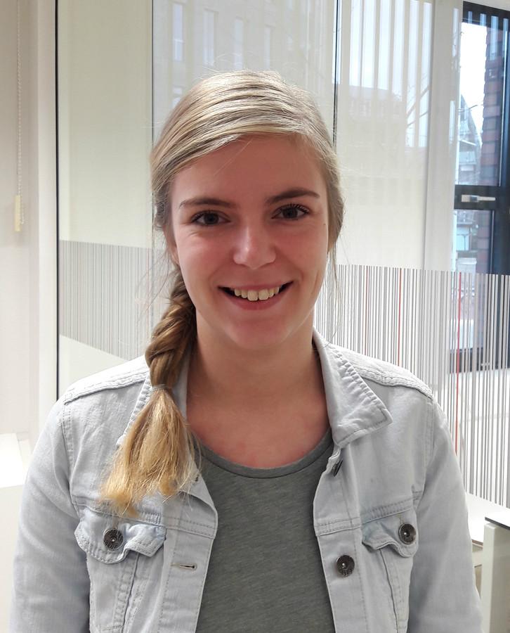Ilona den Boer, student Associate degree Avans Den Bosch: ,,Bij weer een mbo-4 opleiding had ik het gevoel op hetzelfde niveau bezig te zijn en de stap naar voltijd hbo bachelor leek me te zwaar.''