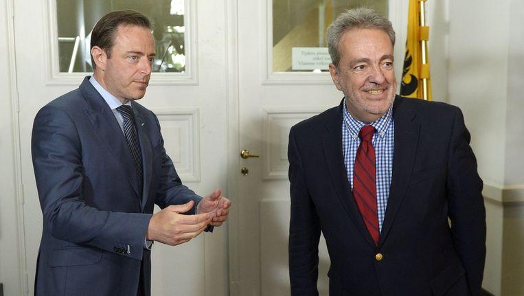 Gerolf Annemans (Vlaams Belang) werd vanmiddag ontvangen door Bart De Wever (N-VA).