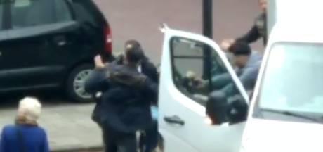 Aanrijding mondt uit in vechtpartij in Enschede: politie grijpt in