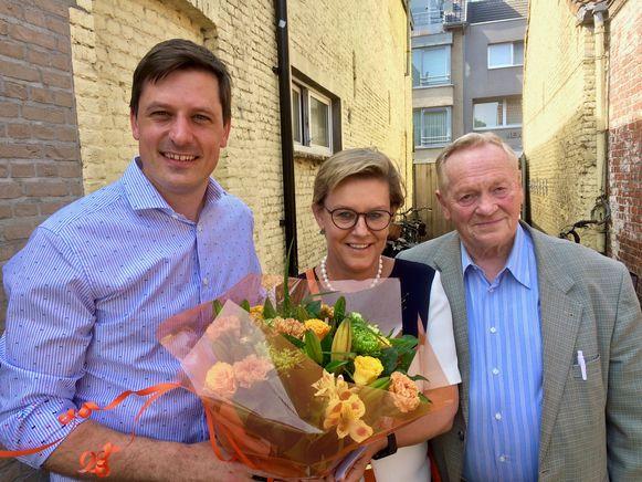 Burgemeester Kristof Audenaert, Hilde Stockman en oud-burgemeester Norbert De Cuyper.