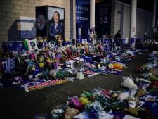 Leicester City staat op indrukwekkende wijze stil bij dood clubeigenaar
