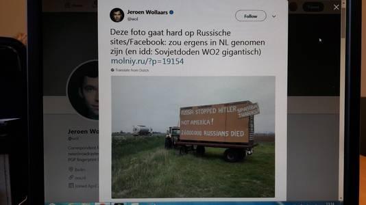 De tweet van NOS-correspondent Jeroen Wollaars over het eerste pro-Russische billboard van Hugo Jansen langs de A4.