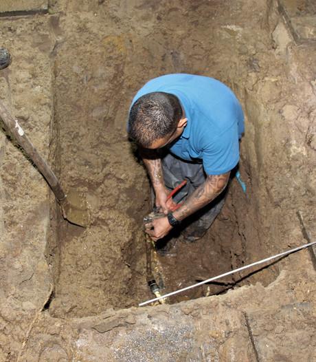 Waterleidingbreuk in dorp Ooij