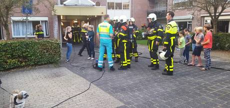 Bewoners Hoge Veer in Raamsdonksveer geëvacueerd na brand