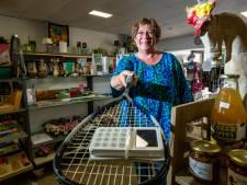 Duurzame verzamelwinkel Goede Buren in Olst kijkt niet verder dan morgen: 'Vrijwilligers moeten het blijven trekken'