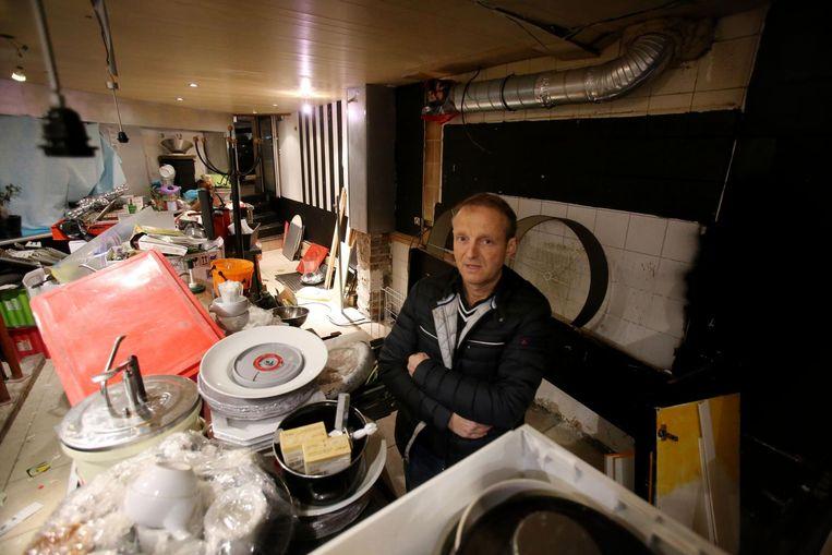 De huurder liet tonnen rommel achter in het pand van Frank van Hyfte (op foto).
